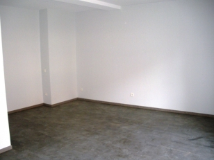 1 pièce  avec petite terrasse intérieur centre Selestat - {image:title}