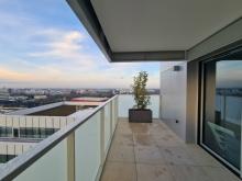 Lumineux 3 pièces neuf au 13éme étage avec vue imprenable - 20201216_160347